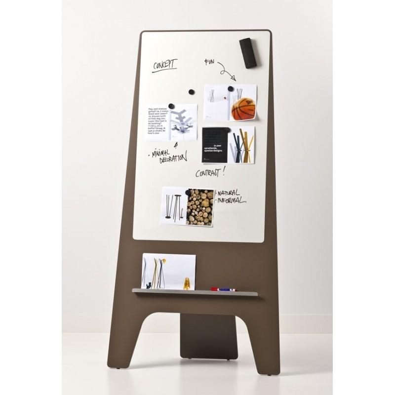 Zubehör und Reinigung eines Whiteboards