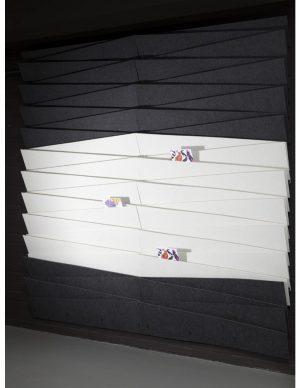 Felt Art Diagonal, Kunstvoller Wandprospekthalter, Berlin, Schweiz, Österreich, Wandmagazin