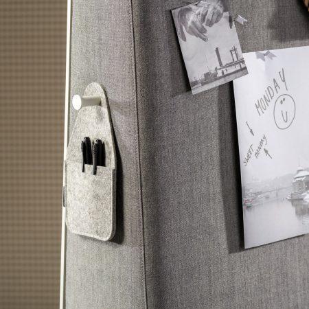 Trape Akustik mobiler Raumteiler mit Whiteboard
