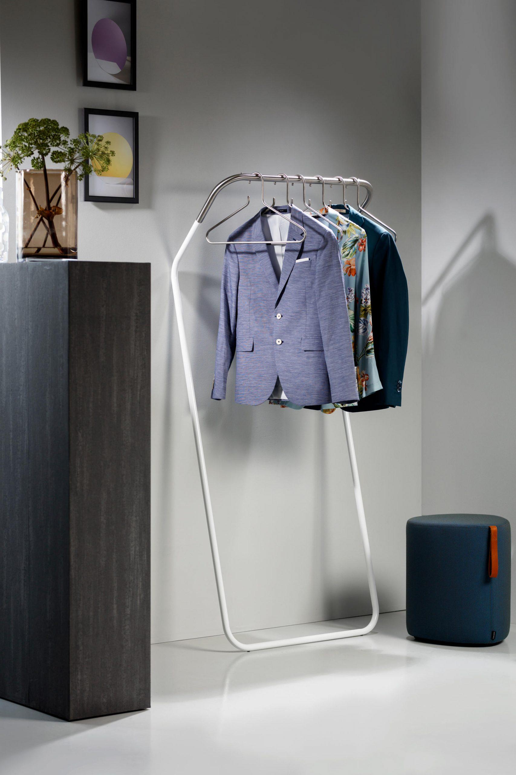 Garderobenständer Lean On, gebogene Form